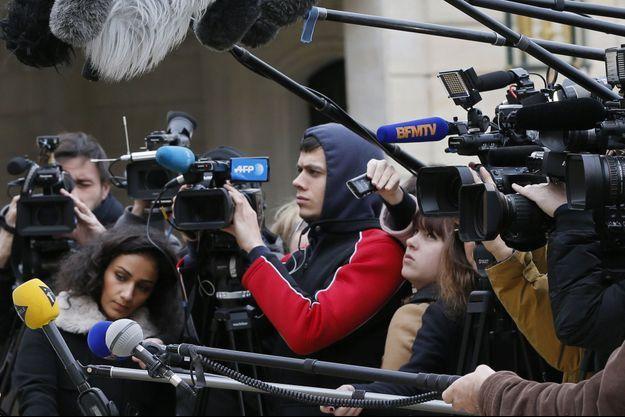 Des journalistes dans le palais de l'Elysée. Image d'illustration.