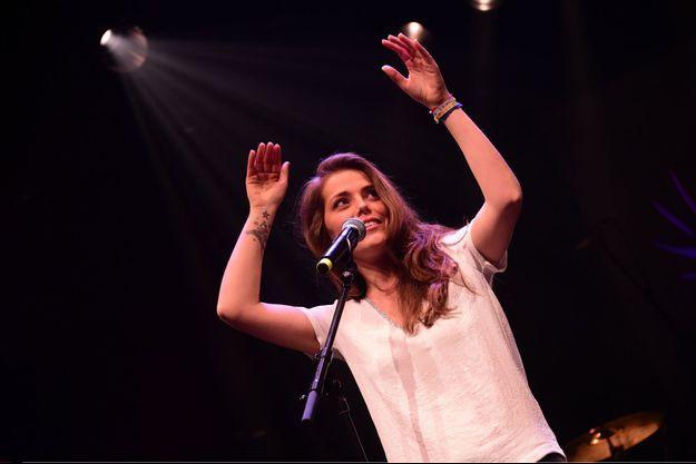 Emma Daumas en concert pour le 4ème gala du hérisson, 2015