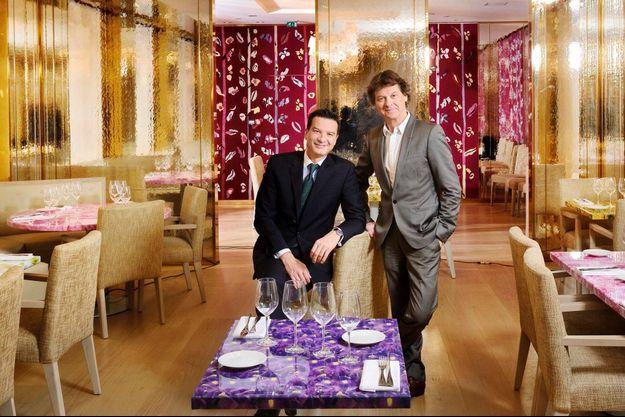 Thierry Wasser (à g.), nez de Guerlain depuis 2008, et Guy Martin dans le restaurant, Le 68.