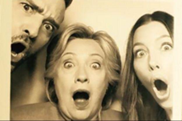 Justin Timberlake, Hillary Clinton et Jessica Biel prennent la pose avec humour.