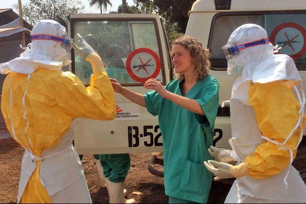 Medecins sans frontières tente de contenir l'épidémie Ebola.