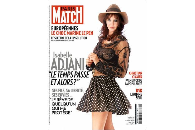 Isabelle est une des héroïnes de la comédie d'Audrey Dana : « Sous les jupes des filles ».