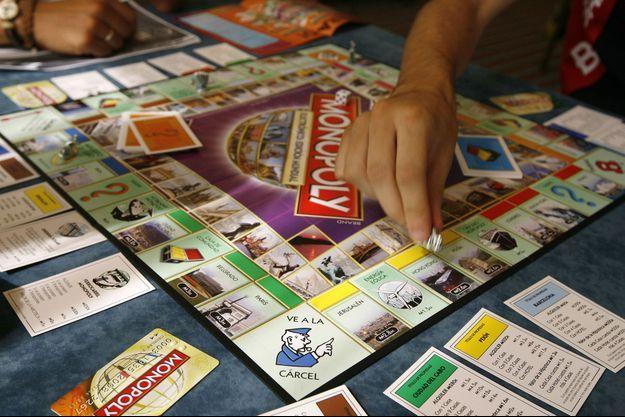 Pour son anniversaire, le Monopoly a glissé de vrais euros dans ses boîtes.