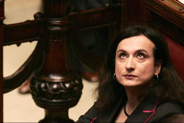 Vladimir Luxuria au Parlement italien en 2006.