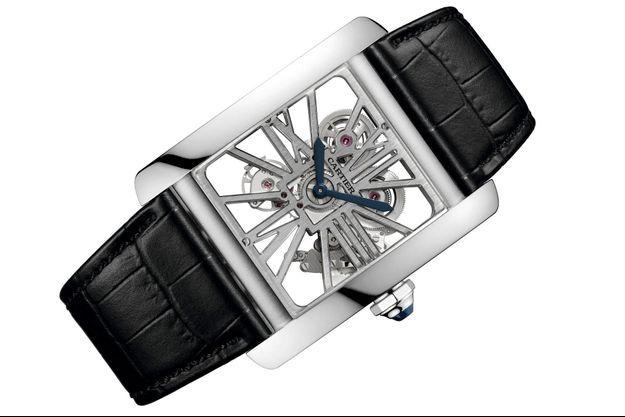 Cartier Santos Dumont, en platine, environ 42 000 €.