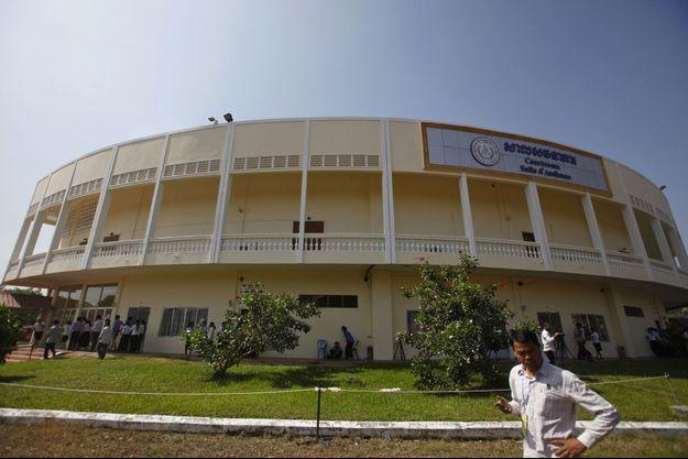 Les Chambres extraordinaires au sein des tribunaux cambodgiens (CETC).