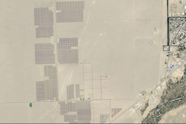 La centrale solaire du désert de Gobi devrait fournir assez d'électricité pour alimenter un million de Chinois.