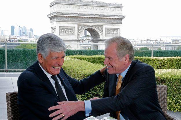 Paris, 28 juillet 2013. Maurice Lévy et John Wren officialisent leur accord.