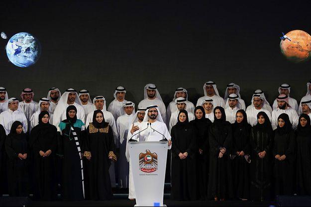 Mohammed bin Rashid Al Maktoum prend la parole pour annoncer le projet Hope.