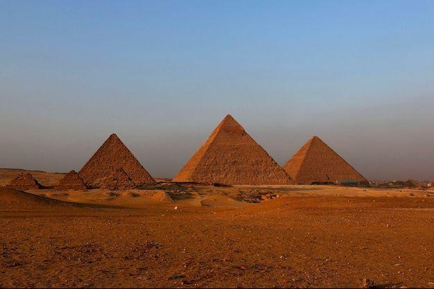 Kheops, Khephren et Mykérinos. En scannant ses pyramides, l'Egypte espère ainsi retrouver les 6 millions de touristes perdus en 2015.