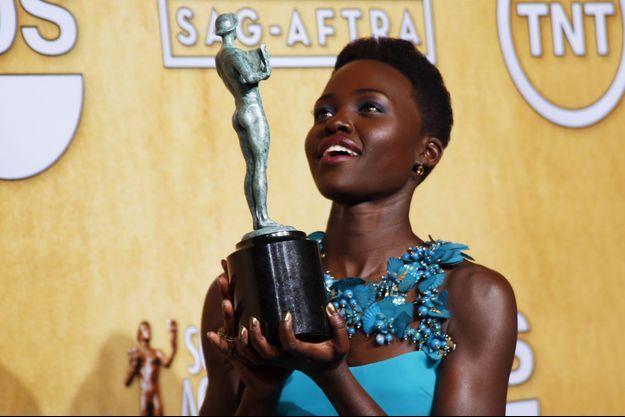 Lupita Nyong'o vient de remporter le SAG 2014 du Meilleur second rôle féminin, le 18 janvier dernier