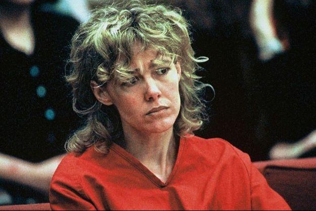 Mary Kay Letourneau lors de son procès en 1998, où elle sera condamnée à sept années et demi de prison pour viol sur mineur.