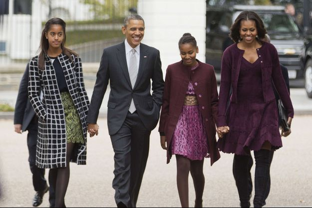 Barack Obama, Michelle, Sasha et Malia devant la Maison Blanche