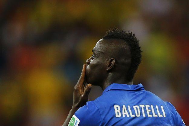 Mario Balotelli pendant le match Angleterre-Italie