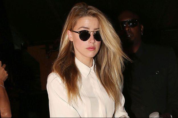 Amber Heard arrive au tribunal pour faire sa déposition