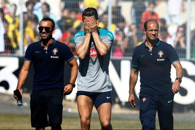 Ronaldo a quitté l'entraînement au bout de vingt minutes. Le Portugal retient son souffle...