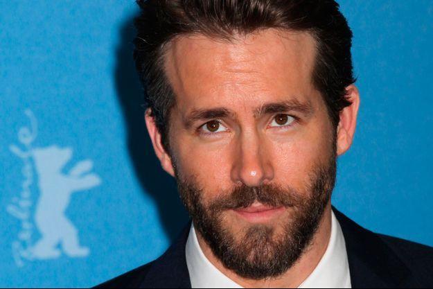 """Quelques jours après son apparition au Festival de Berlin, Ryan Reynolds a posté mercredi soir une photo dans les coulisses du prochain """"Deadpool"""""""