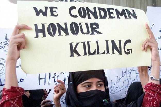 """Les Pakistanaises avaient déjà manifesté à Multan en 2004 pour dénoncer les """"crimes d'honneur""""."""