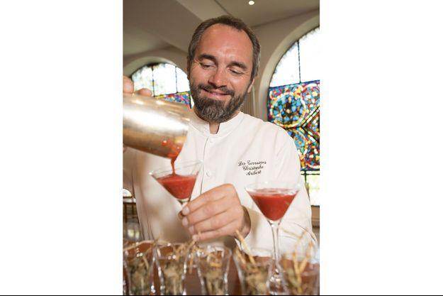 Inspiré d'une recette de Casanova, ce cocktail réalisé par Christophe Aribert au restaurant Les Terrasses, à Uriage, restitue la profondeur de la Chartreuse verte.