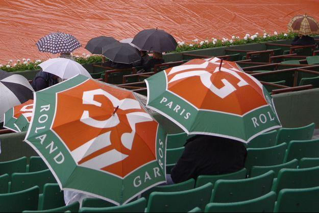 Le temps était mauvais, lundi, à Roland Garros.