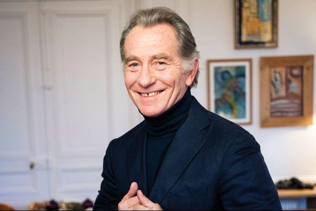 William Leymergie, chez lui, dans son appartement parisien