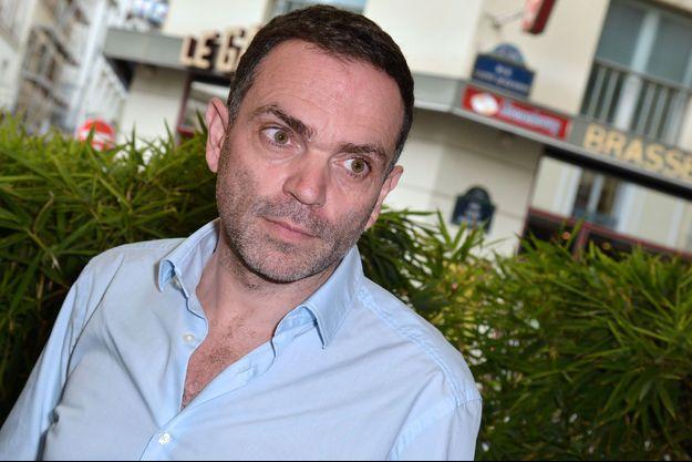 """Yann Moix lors de sa remise du prix """"Renaudot"""" en 2013."""