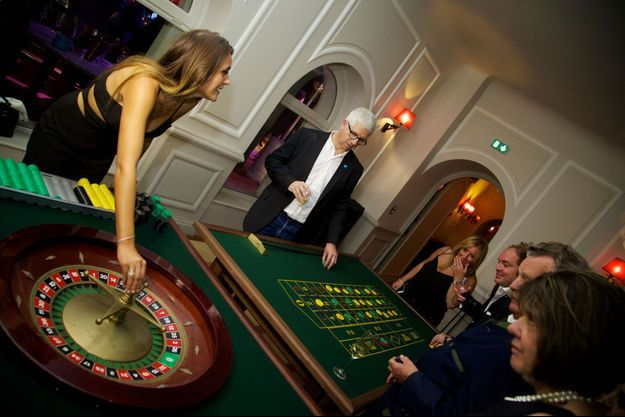 Une scène de «Casino Royal» revue et corrigée à l'heure d'aujourd'hui.