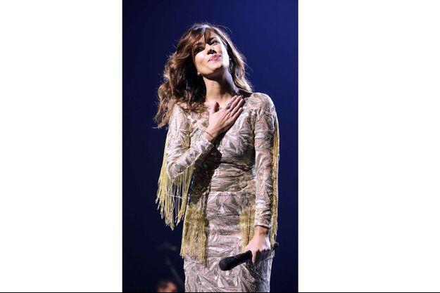 Ana Moura chante et enchante avec sa voix d'une beauté envoutante.