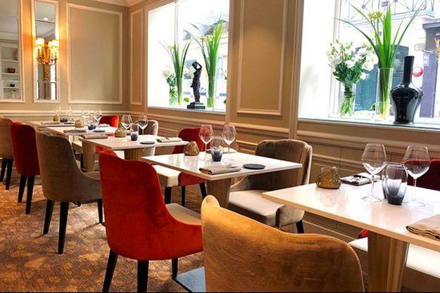 Cosy, chaleureux, lumineux, des tables comme à la maison, Le Céladon entre dans un nouvel âge.