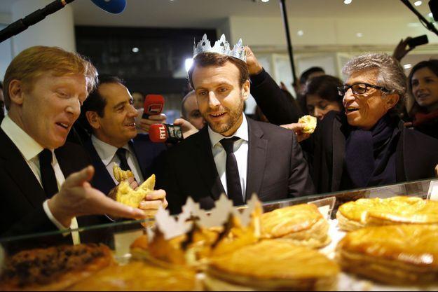 Emmanuel Macron déguste la galette d'Eric Kayser
