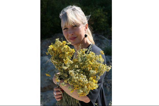 Isabelle Pacchioni, experte mondiale de l'aromathérapie et des huiles essentielles.