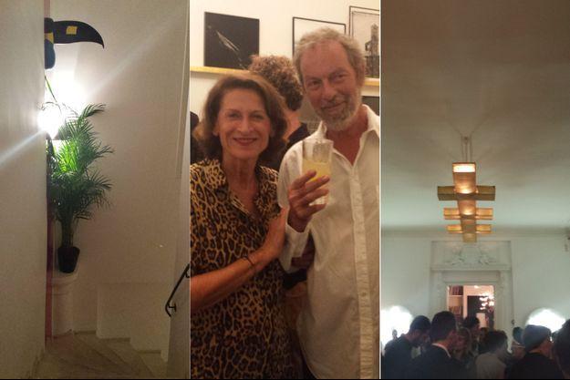 A gauche, l'escalier surmonté de toucans. Au centre, Marie et Pierre-Henri Chauveau. A droite, la lampe Putman dans le salon.