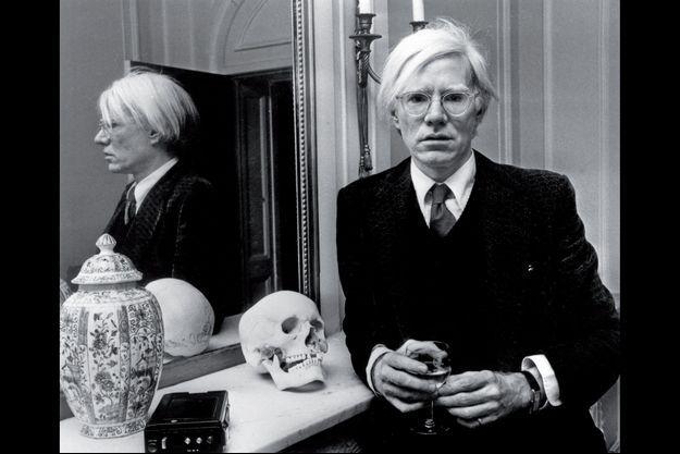 Andy Warhol à Londres en 1975.