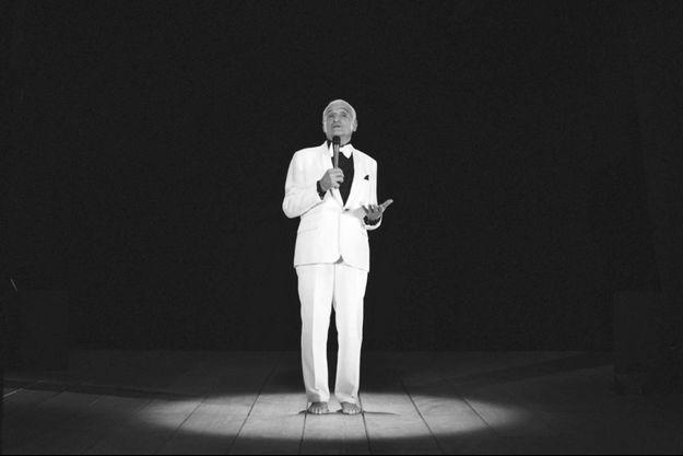 "Performance de John Giorno ""Thanx 4 Nothing"", 2015, filmée par l'artiste Ugo Rondinone, son ami actuel."