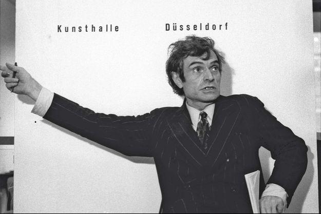 Marcel Broodthaers, en 1968.