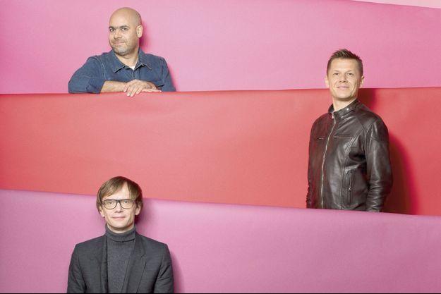 Laurent Grasso, Mathieu Mercier, et Mircea Cantor.