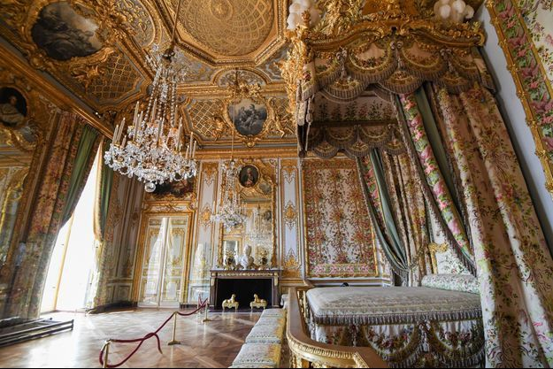 Le grand appartement de la reine restauré du château de Versailles.