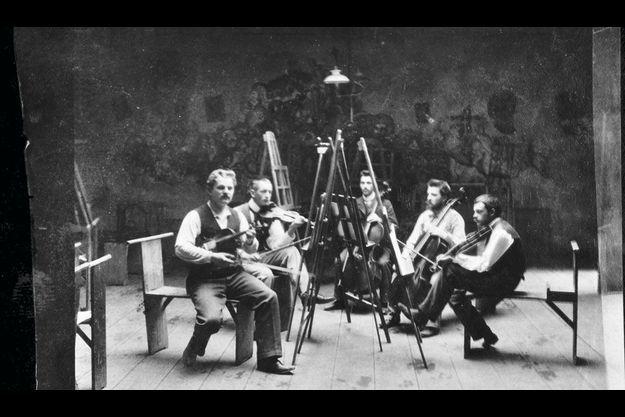 Quintette avec Paul Klee (à dr.) au violon, à l'école d'art Heinrich Knirr à Munich en 1900.