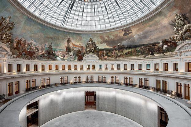 L'intérieur de la Bourse avec le cylindre en béton imaginé par l'architecte japonais.