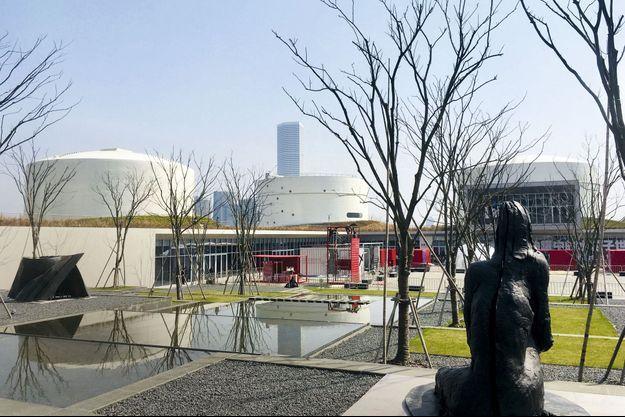 Le Tank Shanghai, installé dans les anciens réservoirs à fuel, est le domaine privilégié du collectionneur Qiao Zhibing.