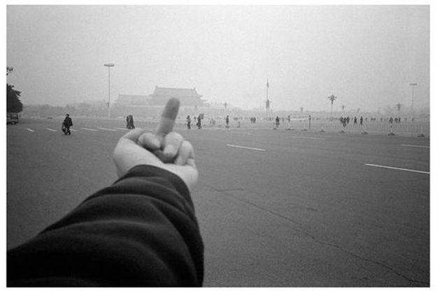 La célèbre photo prise par l'artiste sur la place Tian'anmen.