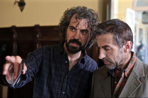 """Alvaro Brechner et Antonio de La Torre sur le tournage de """"Companeros""""."""