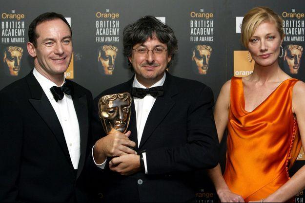 Andrew Lesnie, au centre, lors des Bafta en 2004. Il avait remporté celui de la meilleure photographie.
