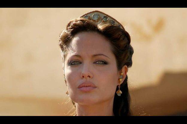 """Angelina Joie dans le film """"Alexandre""""."""