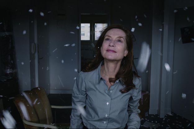 """Isabelle Huppert dans """"Asphalte"""" de Samuel Benchetrit"""