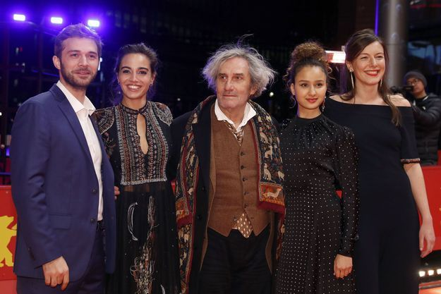 De gauche à droite Logann Antuofermo, Souheila Yacoub, Philippe Garrel, Oulaya Amamra and Louise Chevillotte