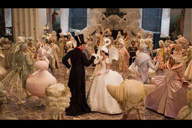 """La scène du bal dans """"Blanche Neige"""""""