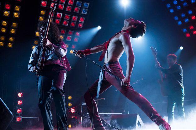 """Rami Malek dans la peau de Freddie Mercury pour """"Bohemian Rhapsody""""."""