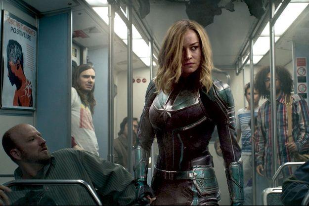 Captain Marvel ne passe inaperçue dans le métro.