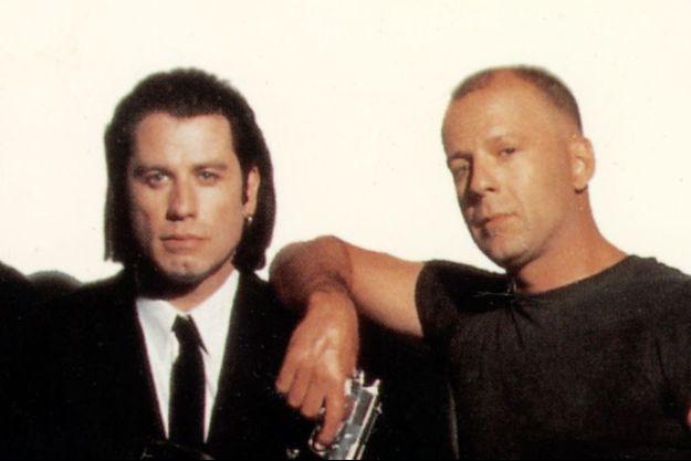 """John Travolta et Bruce Willis en 1994, réunis dans """"Pulp Fiction""""."""